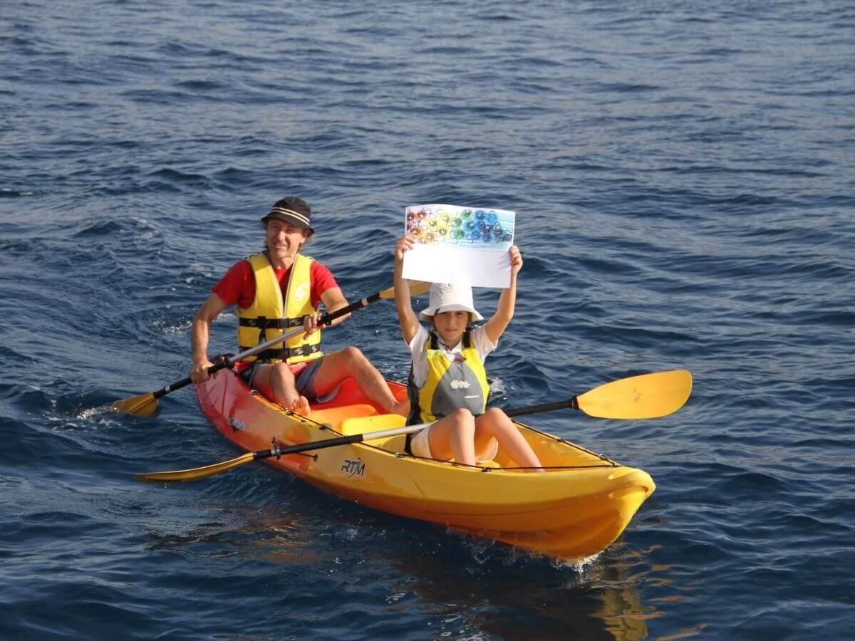 SOS Costa Brava s'enrola en el veler Costa Màgica per fer una inspecció de l'estat de la Costa Brava